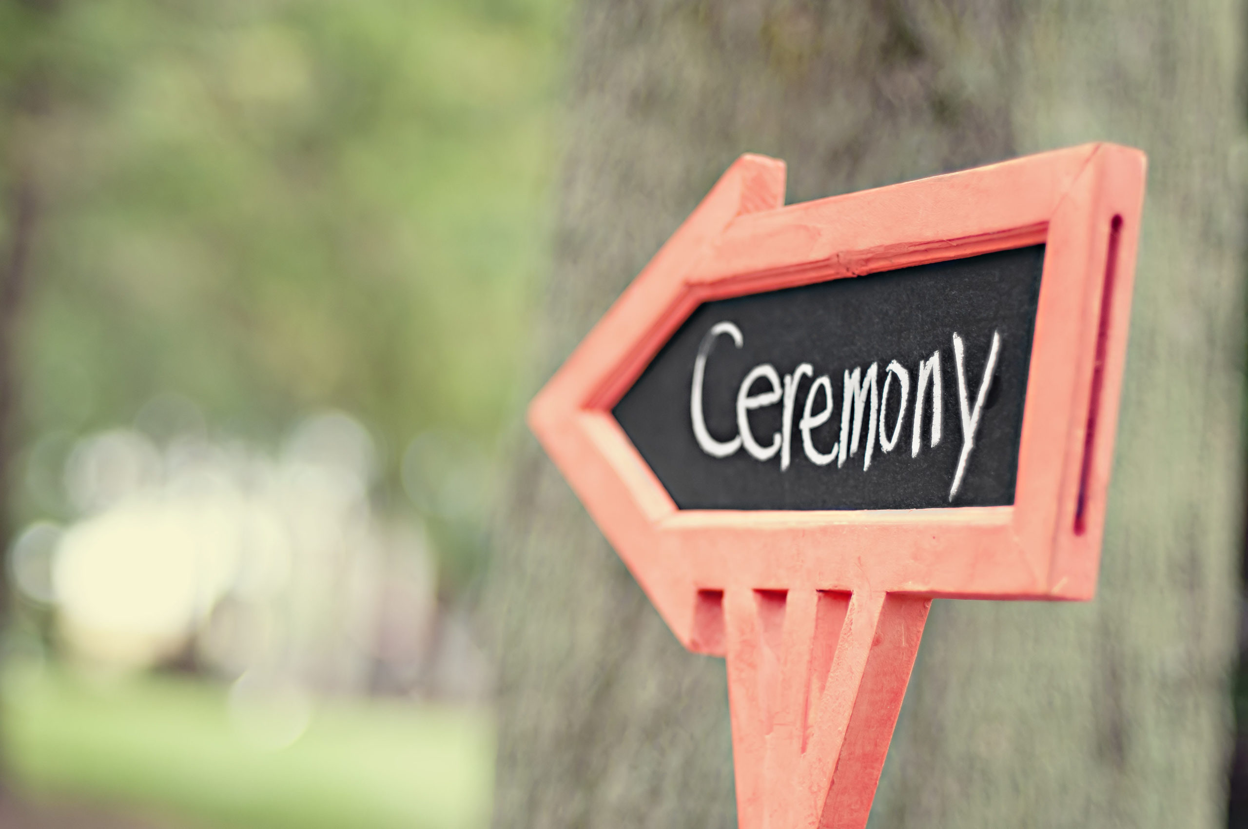 HOW TO CHOOSE A CEREMONY VENUE